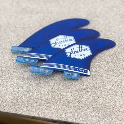 DERIVE FEATHER FINS ULTRALIGHT CLICK TAB BLUE SMALL